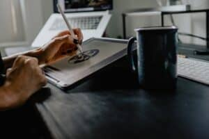 Graphic designing is among the top 10 ways to earn money from freelancing in 2021